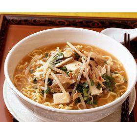 野菜と豆腐のピリ辛とろみスープめん