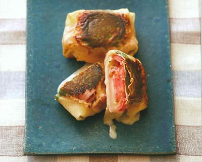 トマトとチーズの春巻き